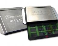 Caja dispensadora especies, fabricada en acero inoxidable y plástico